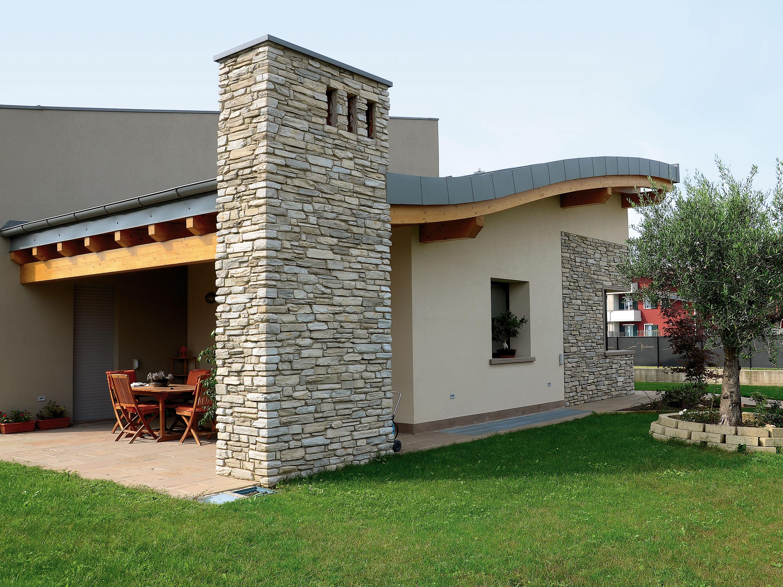 Realizzazioni in pietra ricostruita per interni ed esterni for Pavimenti per case moderne